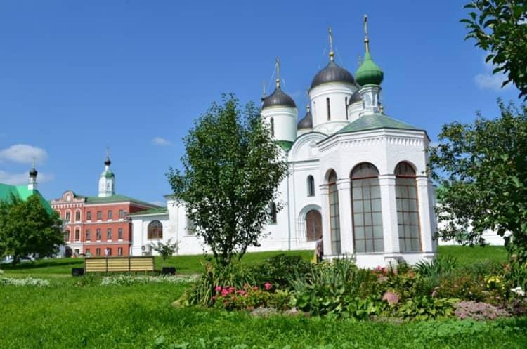 Спасо Преображенский монастырь и его достопримечательность - Костница