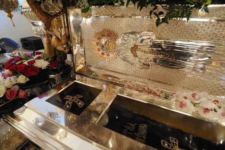 Мощи святой Матроны являются святыней Покровский монастыря в Москве