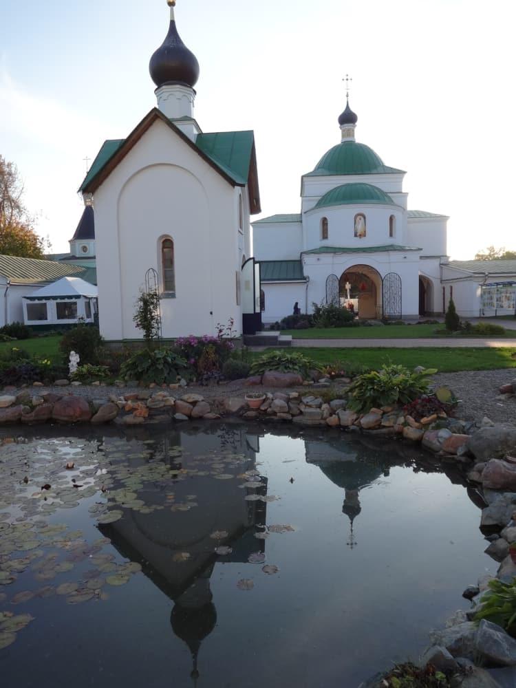 Спасо Преображенский монастырь и его достопримечательность - Надвратная церковь