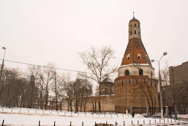Симонов монастырь и его достопримечательность - Остатки архитектурного ансамбля