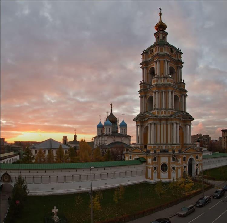 Панорама новоспасского монастыря удивляет туристов