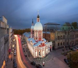 Пантелеймоновская церковь до сих пор впечатляет туристов