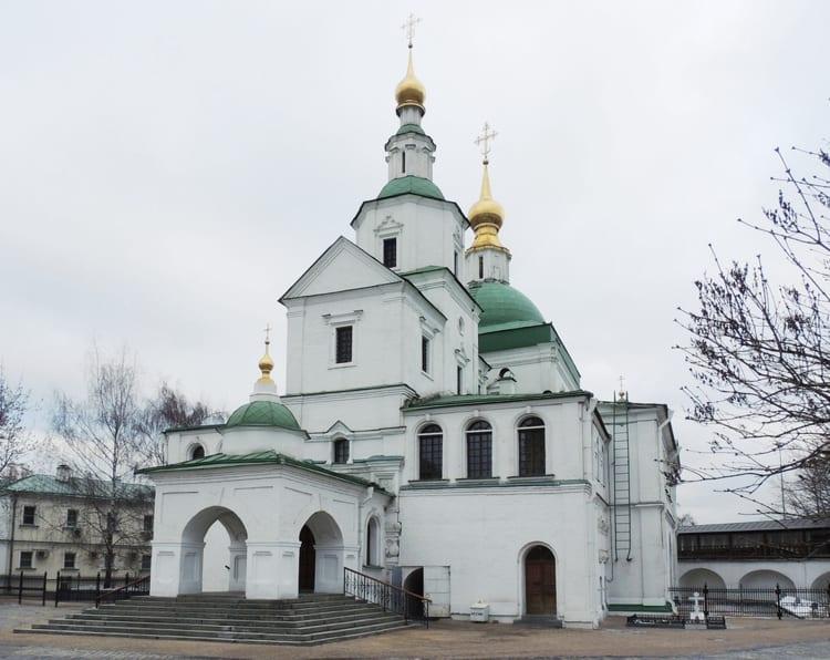 Церковь Святых Отцов даниловского монастыря - уникальна своим посвящением