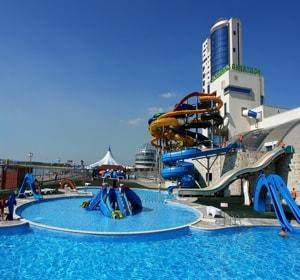 Аквапарк ривьера в Казани - один из самых крупных аквапарков