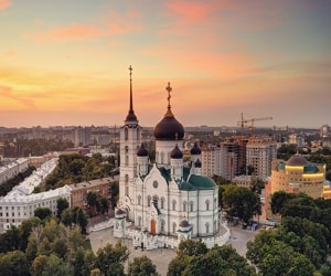 Благовещенский собор - православный храм Русской православной церкви, расположенный в центре города Воронежа