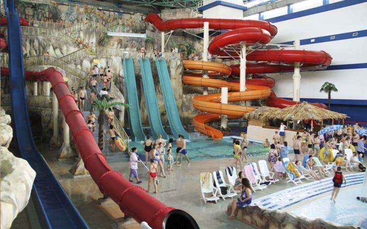 Горки аквапарка Лимпопо нравятся и взрослым и детям