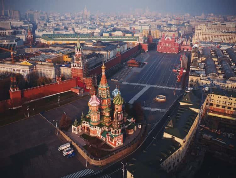Храм Василия Блаженного с высоты выглядит еще прекраснее