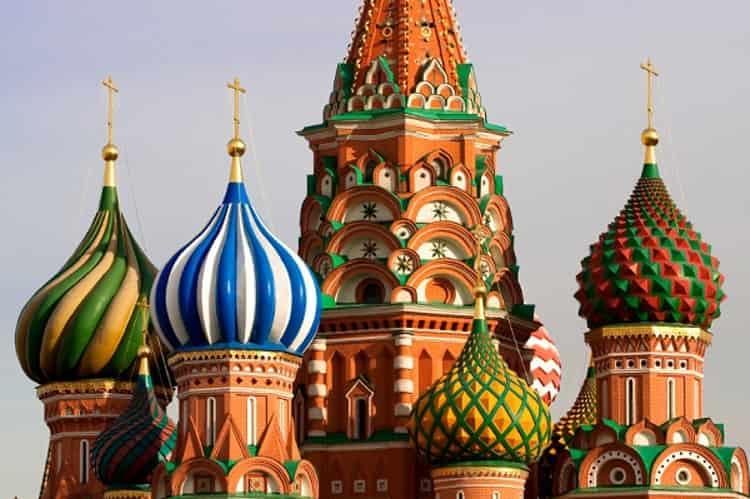 Храм Василия Блаженного и его знаменитые луковичные купола