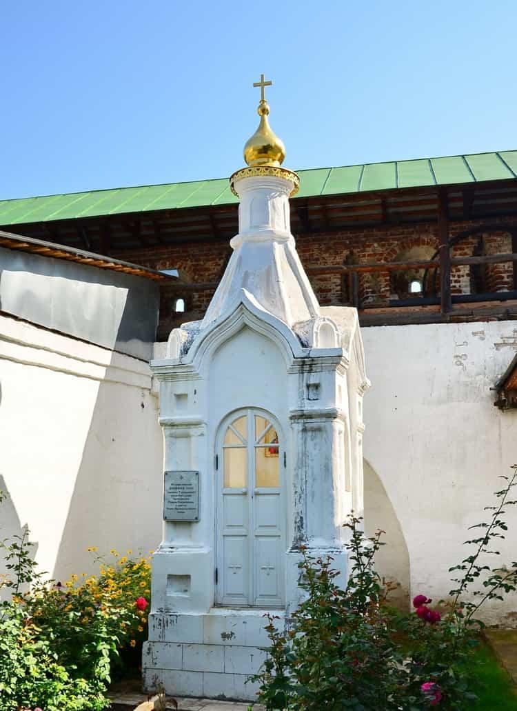 Новоспасский монастырь и его достопримечательность - погребена княжна Тараканова