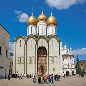 Успенский собор Московского Кремля на протяжении шести столетий был государственным и культовым центром России
