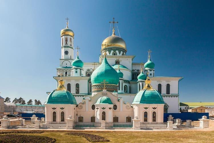 Воскресенский собор Новоиерусалимского монастыря и его главный храм
