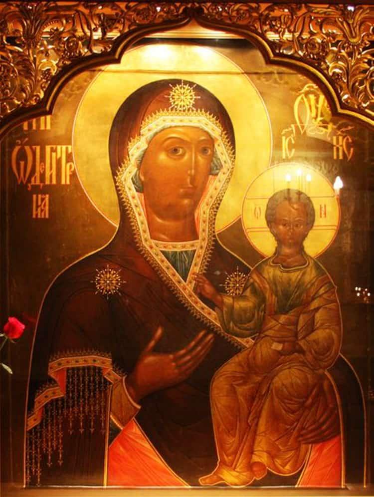 Храм Христа Спасителя и его святыня - Икона Божией Матери Смоленская
