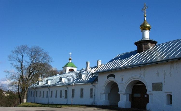 Псков и его достопримечательности - Снетогорский монастырь
