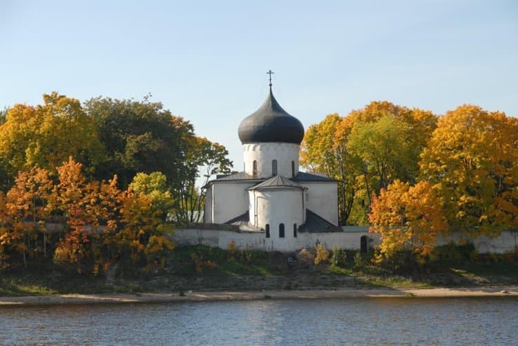 Псков и его достопримечательности - Спасо-Мирожский монастырь