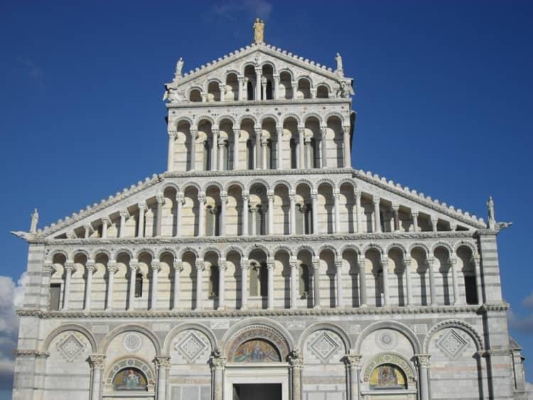 Город Пиза и его достопримечательность - Старинныйсобор Успения Пресвятой Девы Марии