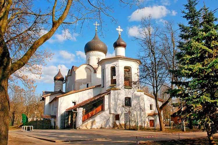 Псков и его достопримечательности - Церковь Василия на Горке