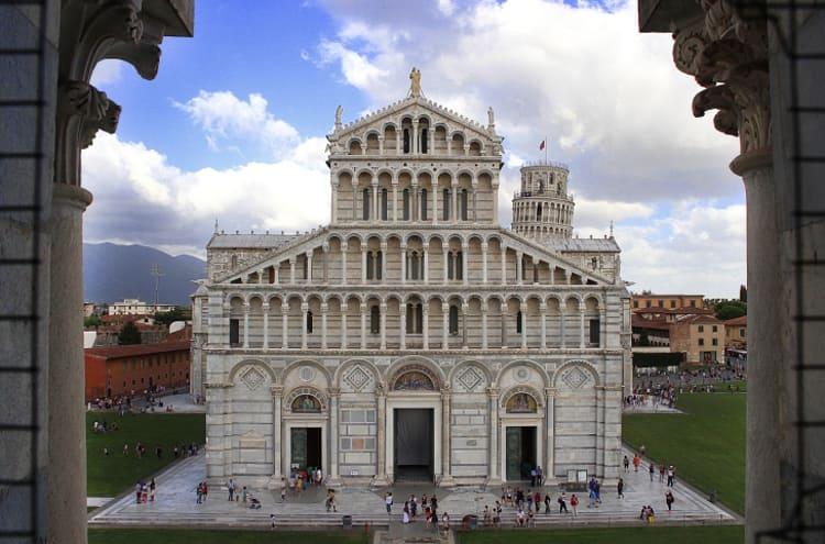 Город Пиза и его достопримечательности - Церковь святого Павла у обрыва