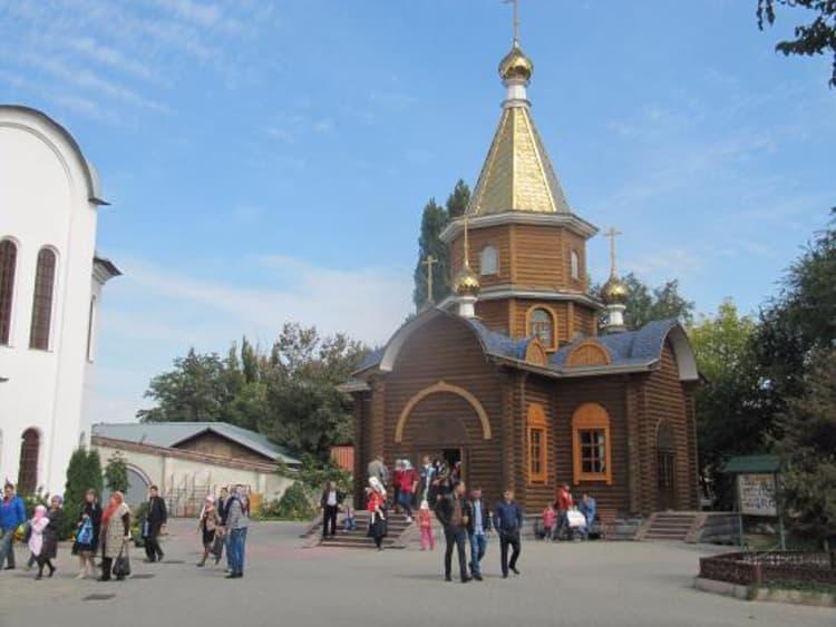 Храм Христа Спасителя и его часовня Иконы Божьей Матери Державной