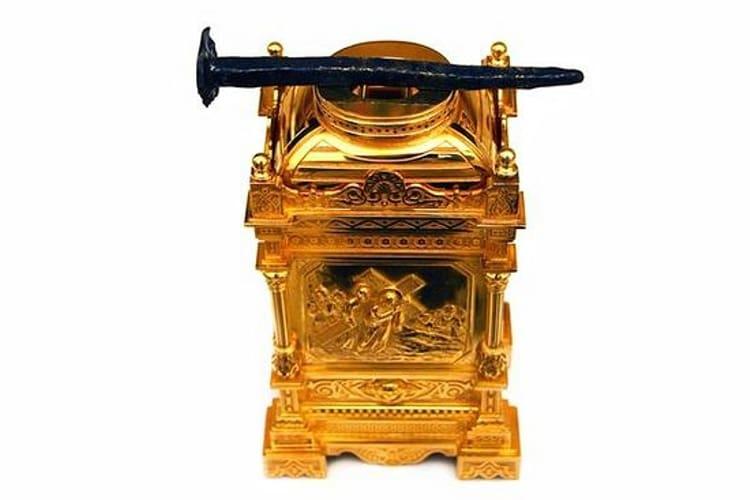 Храм Христа Спасителя и его святыня - гвоздь Креста Господня