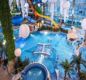 h2o аквапарк представляет собой комплекс бассейнов, водных горок и аттракционов, бань и саун, водных баров и кафе, а также торговой галерии