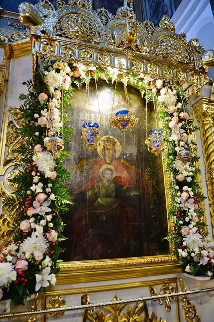 Церковь Вознесения в Коломенском и ее достопримечательность - икона Богородицы Державная