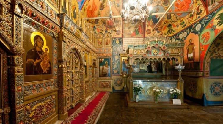 Храм Василия Блаженного сохранил иконостас