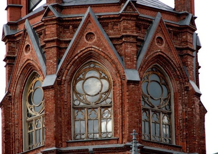 Собор Непорочного Зачатия Пресвятой Девы Марии в городе Москва с готическим стилем