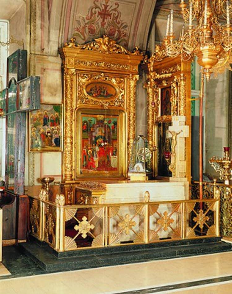 Елоховский собор и его святыня - надгробие Патриарха Сергия